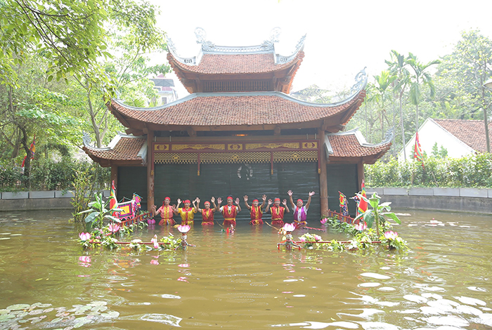 Famous artists from Thanh Hai guild